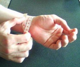 手首の長さを測る