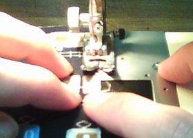 端から約3mmをミシンで縫う