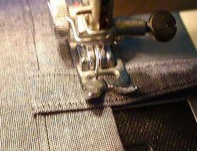 ミシンで縫っているところ