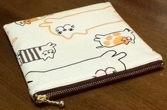 cat pattern zippered pouch