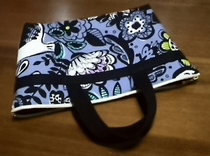 zippered tote bag with flower pattern