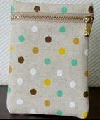 vertical zippered pouch