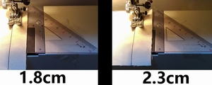 布端をガイドに沿わせて縫う